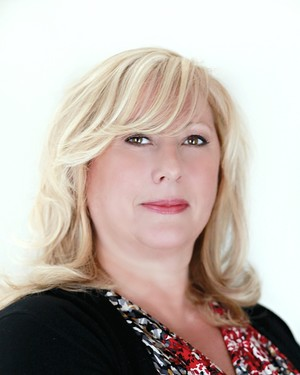 Darla Quaranta,FINE HOMES & ESTATES: